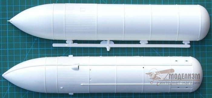 1/144 Space Shuttle Discovery and Booster Rockets (сборная модель). Картинка №3
